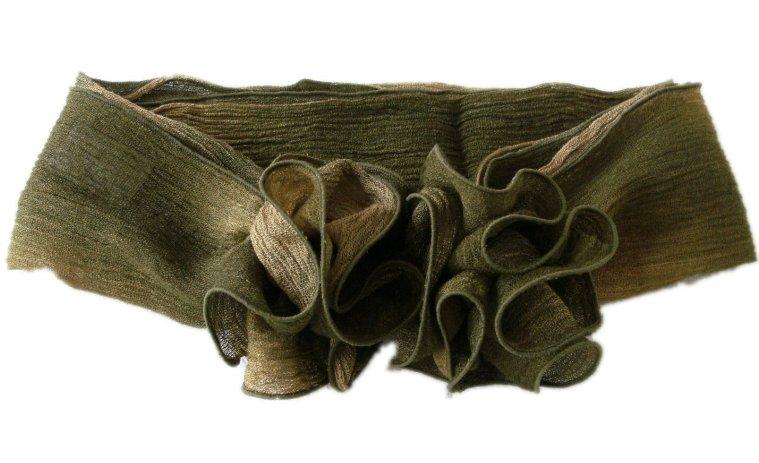 ウール混楊柳コサージュ付きスカーフ