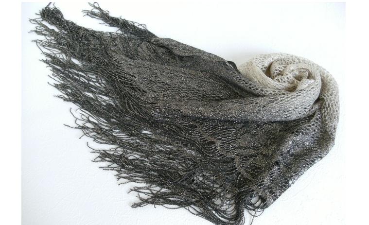 三角ラメショールグラデーション花柄(ゴールドラメ)